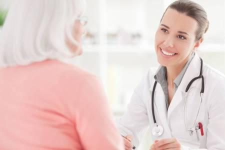 Женщина у врача: нет месячных при климаксе
