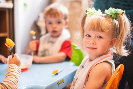 Дети: детский сад как вариант заработать денег в декрете