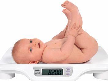 Здоровье и медицинский осмотр ребенка во второй месяц