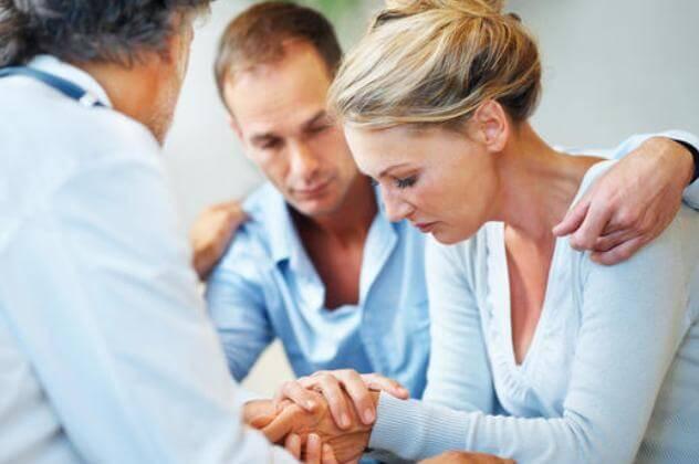 Пара у врача: выкидыш после ЭКО