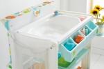 Ванночка для купания ребенка в пеленальном столе