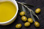 масло и плоды оливы