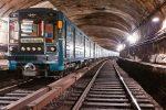 в екатеринбурге школьник упал на рельсы в метро