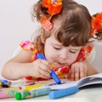 Как занять ребенка до 3 лет