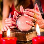 знаменитости, которые верят в астрологов, гадалок и экстрасенсов