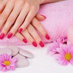 Какие цвета лака омолаживают руки